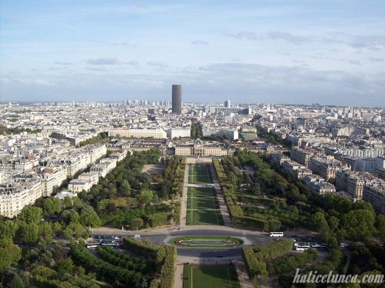 Eyfel Kulesi'nden Monparnasse Kulesi