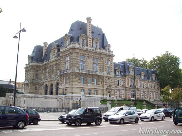 Versay Belediye Binası