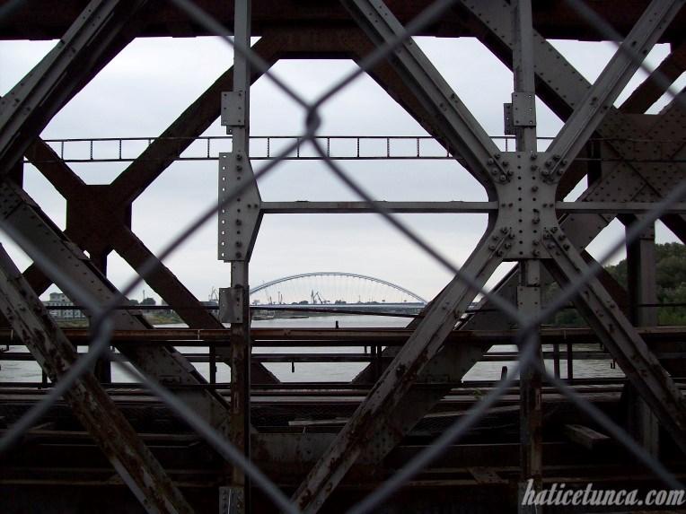 Eski Köprü'den Apollo Köprüsü