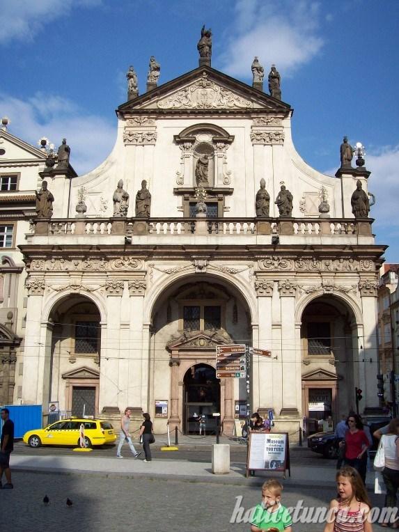 Kutsal Kurtarıcı Kilisesi