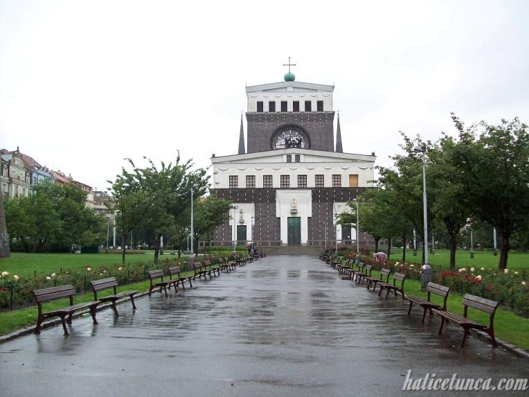 Kutsal Kalp Kilisesi