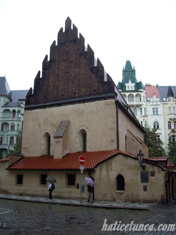 Eski-Yeni Sinagog
