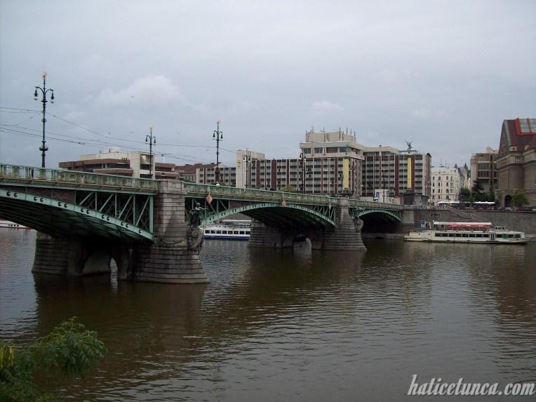Cech Köprüsü