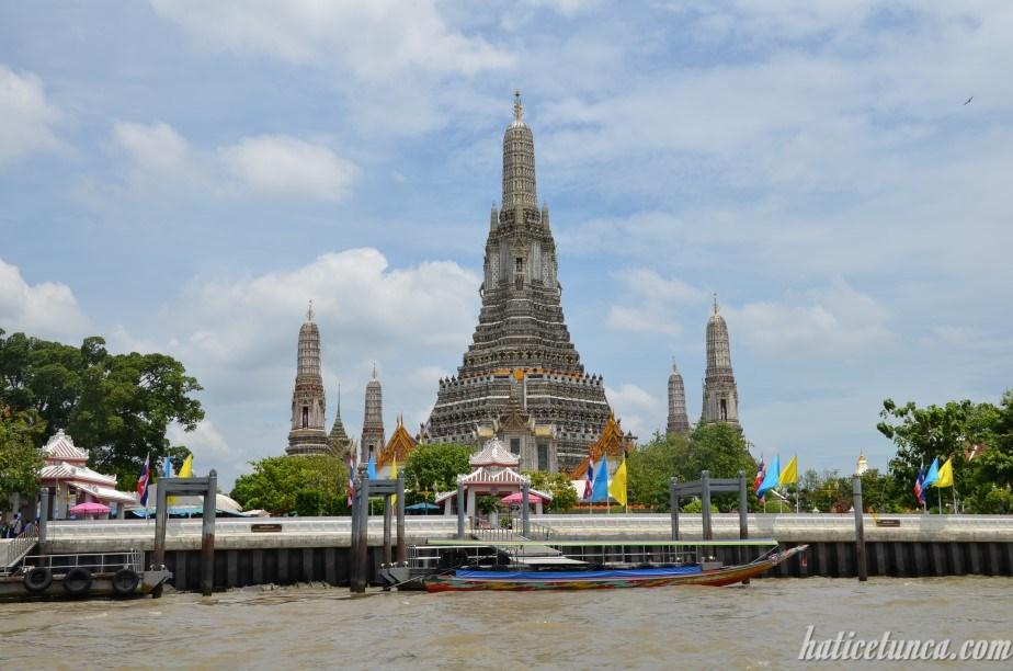 Şafak Tapınağı