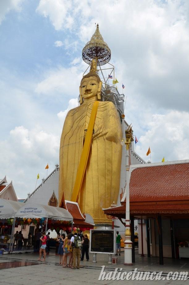Ayakta Buda Tapınağı