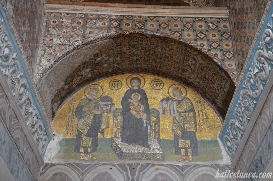 Çıkış mozaiği - Jüstinyen, Meryem Ana ve Büyük Konstantin