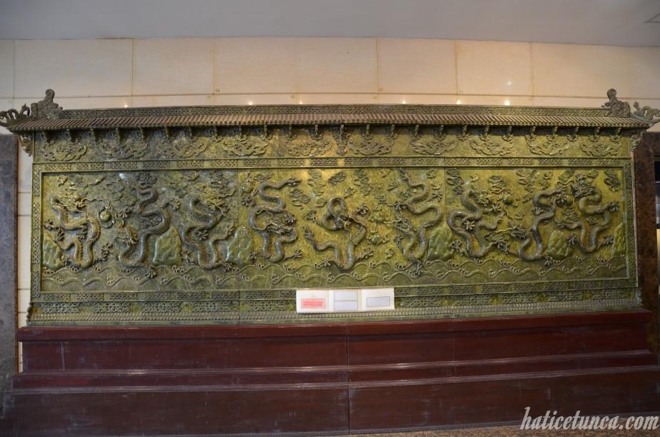 Jade nine dragons
