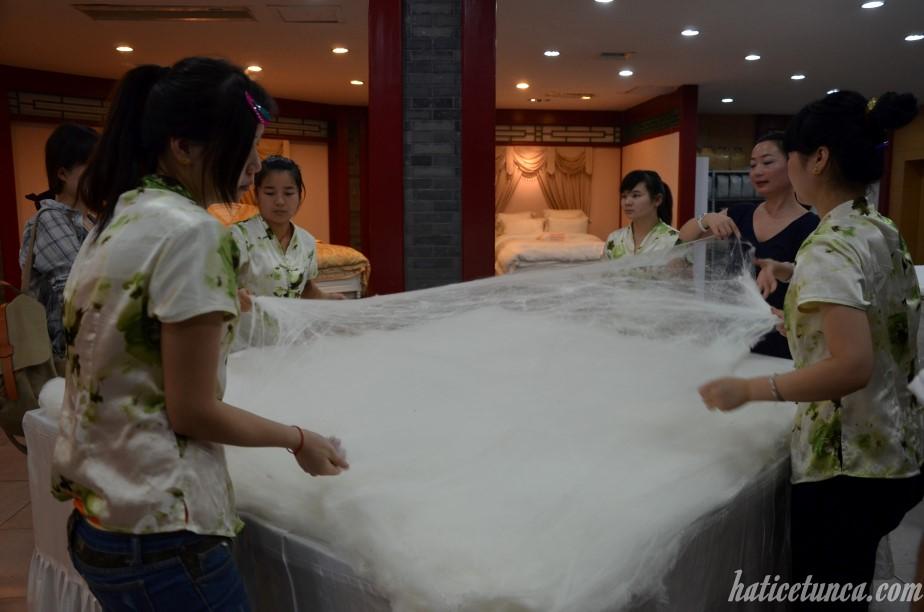 Making silk quilt