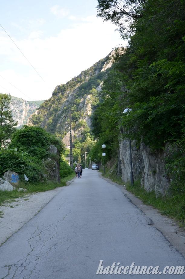 Matka Kanyonu'na giden yol