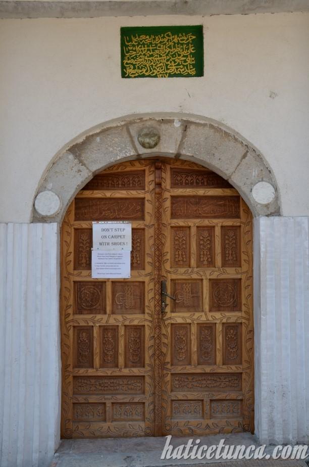 Murat Paşa Cami kapısı