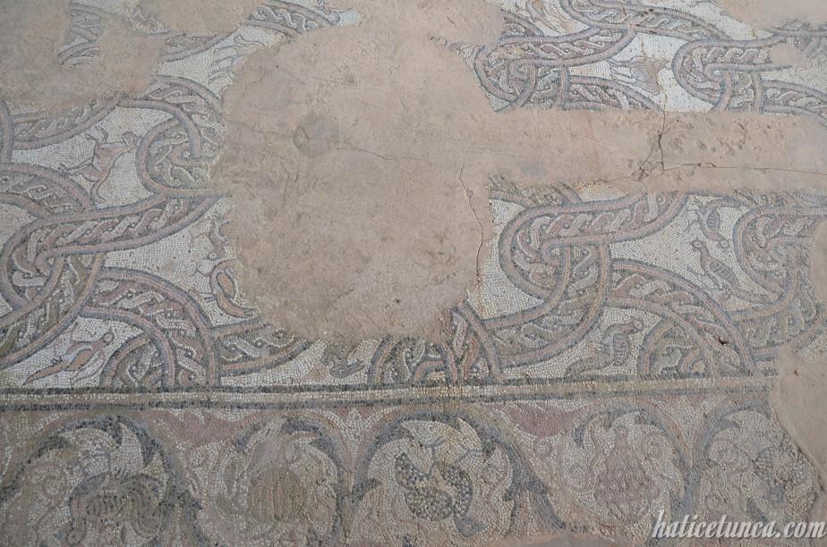 Bazilika'daki mozaikler