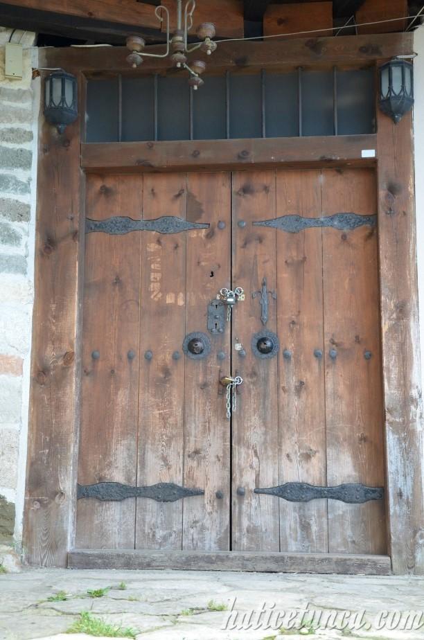 Bolaman Kalesi (Haznedaroğlu Konağı) kapısı