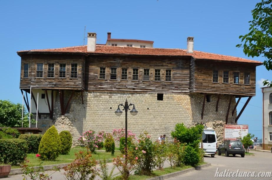 Bolaman Kalesi (Haznedaroğlu Konağı)