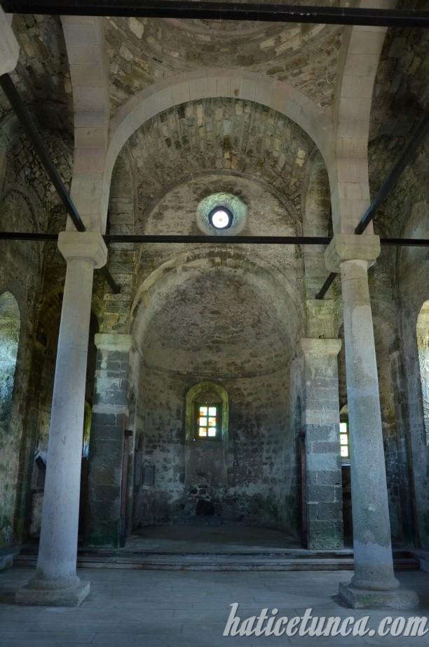 Yason Kilisesi - İç mekan