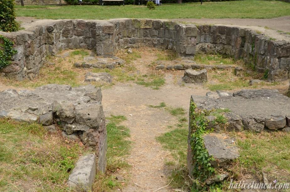 Ayasofya Müzesi avlusu