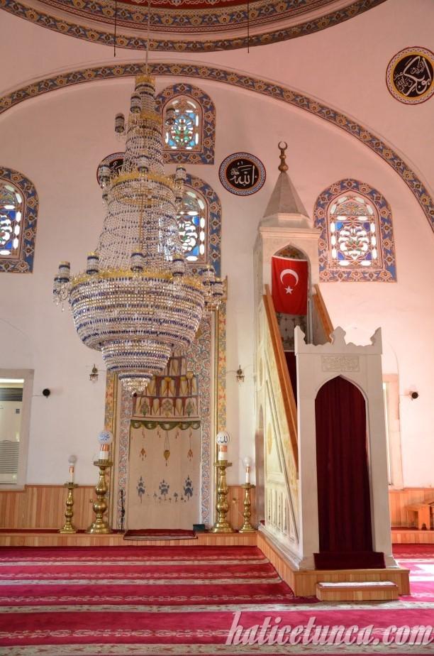 Gülbahar Hatun Cami mihrap ve minberi