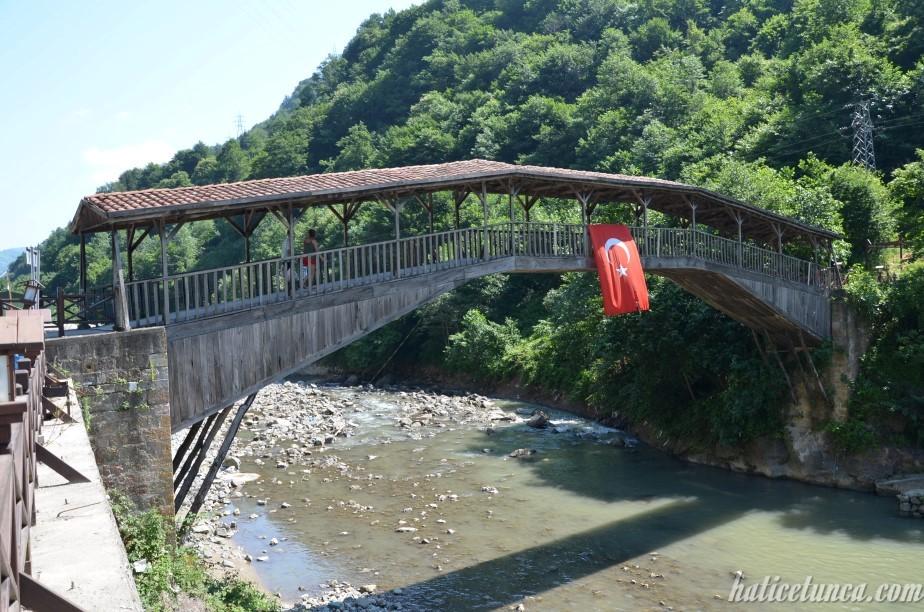 Kiremitli Köprü (Hapsiyaş Köprüsü)