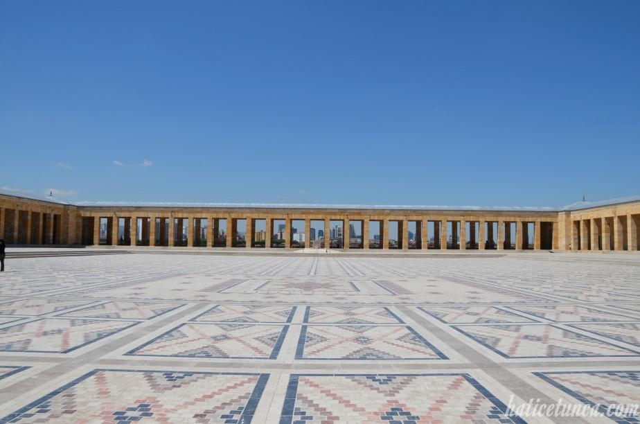 Tören Meydanı
