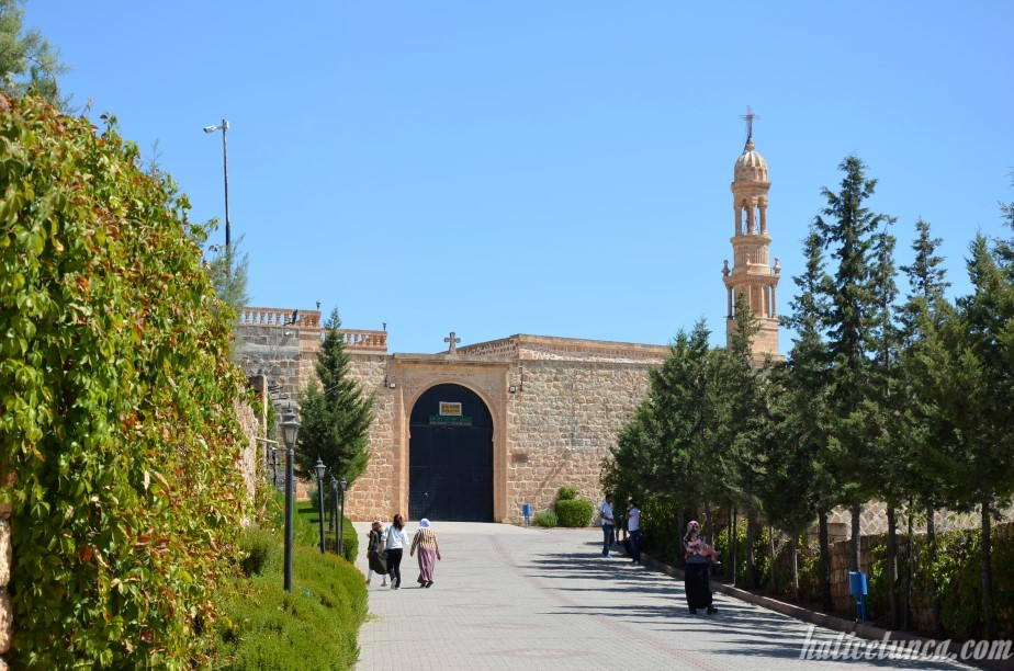 Mor Hobil Mor Abrohom Manastırı
